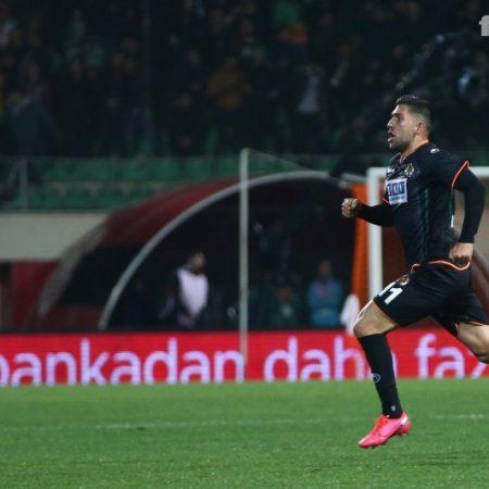Başvuru, Fenerbahçe'nin Transfer listesinde Yer Alan Bakasetaş'tan Geldi